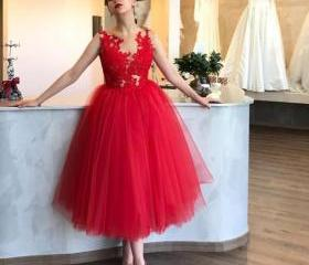 red ball gown prom d..
